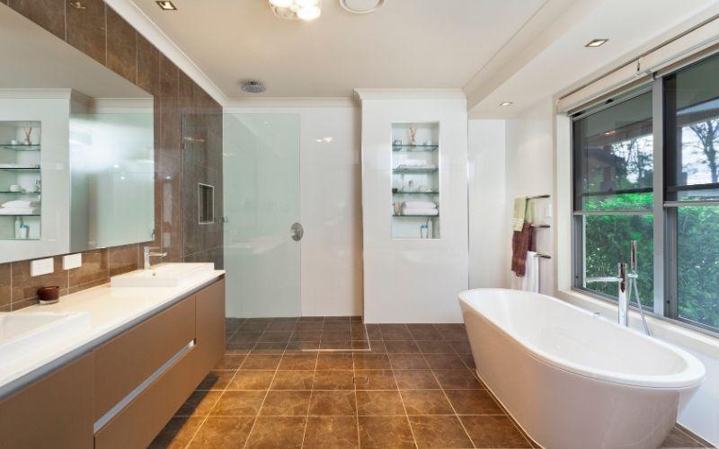 Bathroom curbless