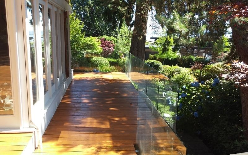 Side Glass Deck View